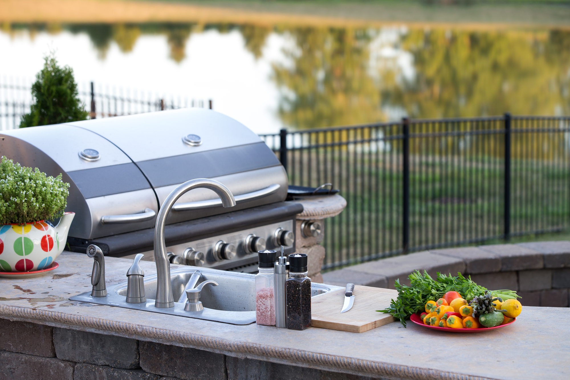 outdoor kitchen, hardscape, grill